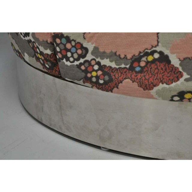 Mid Century Modern Round Pink Tufted Chrome Base Souffle Pouf Ottoman For Sale In Philadelphia - Image 6 of 9