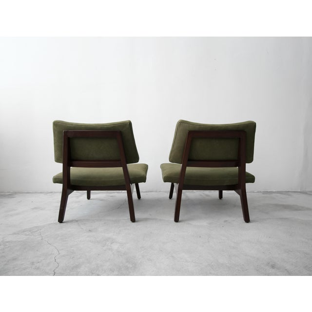 Animal Skin Pair of Mid Century Walnut & Leather Slipper Lounge Chairs by Jens Risom For Sale - Image 7 of 9