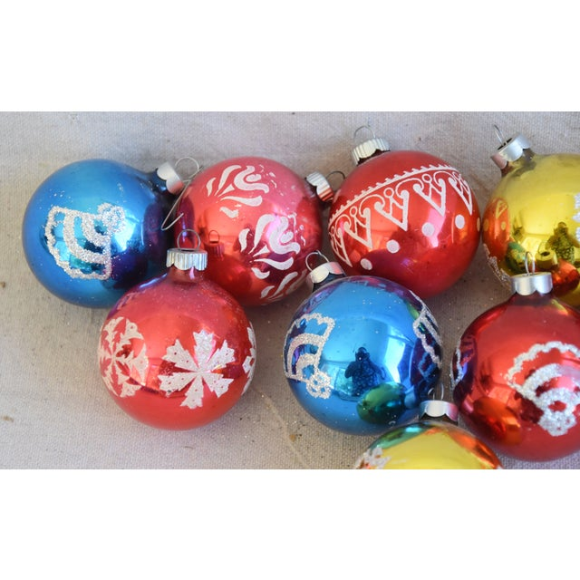 Mid 20th Century Vintage Colorful Christmas Ornaments withBox - Set of 10 For Sale - Image 5 of 9