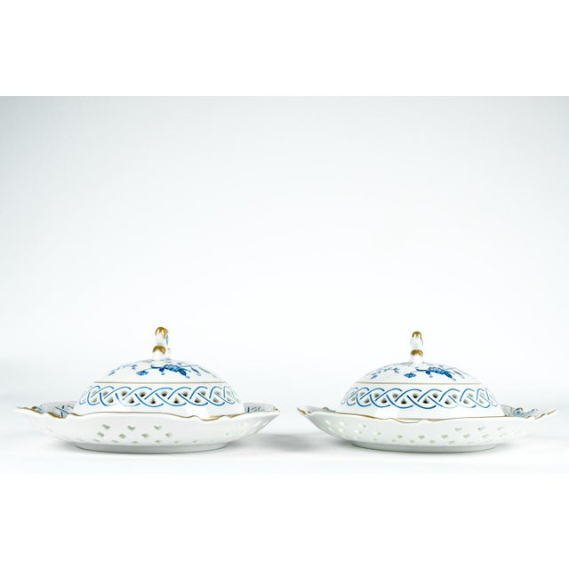 4 Piece Set of Porcelain Tableware For Sale In New York - Image 6 of 13