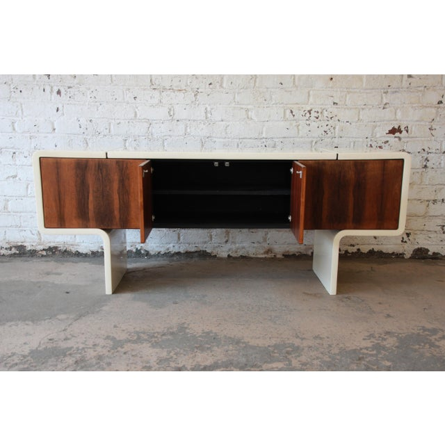 1970s Vintage William Sklaroff Mid-Century Modern Uniplane Credenza For Sale - Image 9 of 11