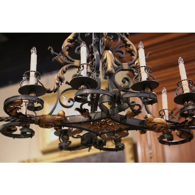 Early 20th Century French Painted & Gilt Iron Flat Bottom Ten-Light Chandelier For Sale In Dallas - Image 6 of 13