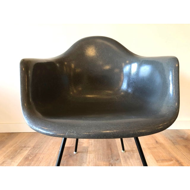 1960s Eames Fiberglass Molded Side Chair for Herman Miller For Sale - Image 5 of 13
