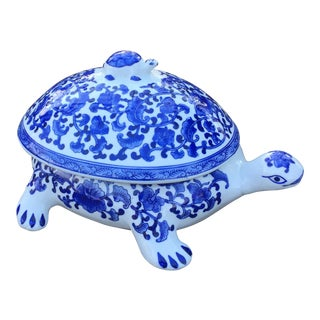 Chinese Blue & White Large Turtle Covered Box