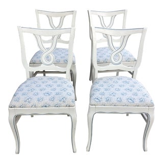 Dorothy Draper White and Blue Loop Petite Dining Chairs- Set of 4 For Sale