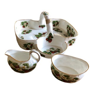 1960s Hammersley & Co Strawberry Ripe Basket - 3 Piece Set For Sale