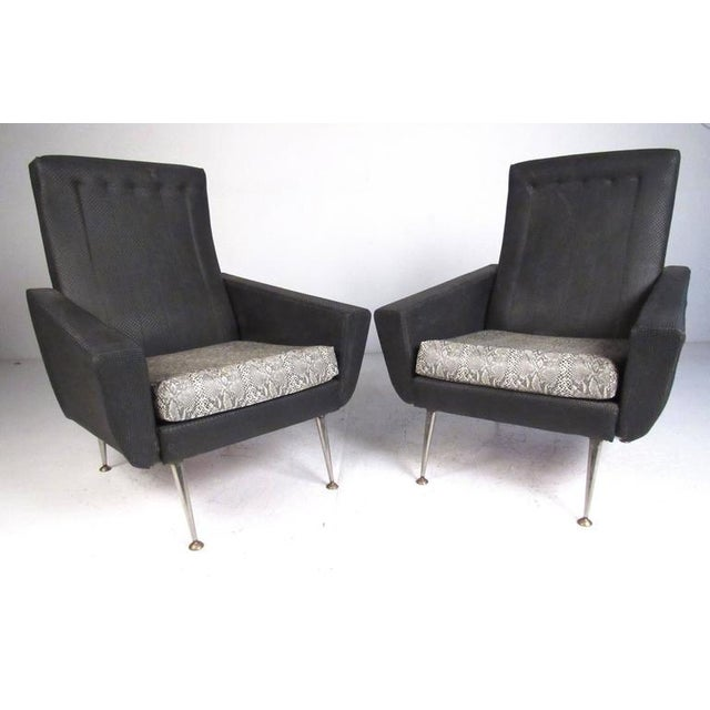 Late 20th Century Italian Modern High Back Lounge Chairs After Gio Ponti For Sale - Image 5 of 11