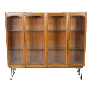 Vintage Mid Century Modern Shelf Storage on Hairpin Legs and Glass Shelves For Sale