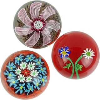 Fratelli Toso Murano Millefiori Flowers Daisies Italian Art Glass Paperweights - Set of 3 For Sale