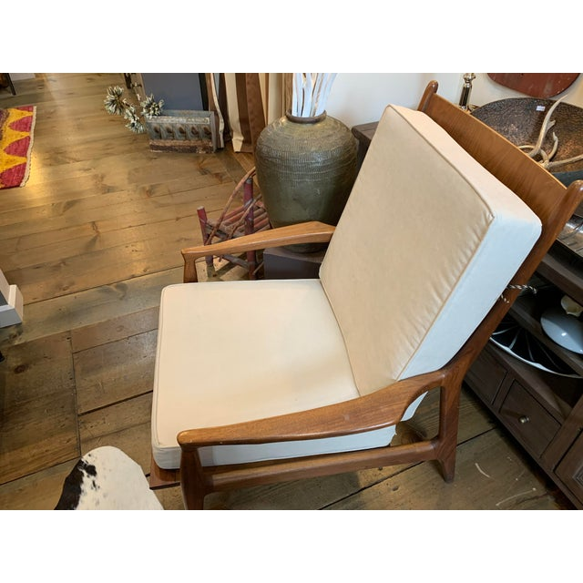 Great original chair made by Thayer Coggin's own Milo Baughman. Classic 60's mid century styling known for simplicity and...