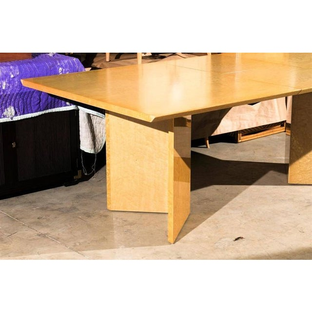 1980s Gorgeous Knife Edge Extension Dining or Conference Table in Bird's-Eye Maple For Sale - Image 5 of 11