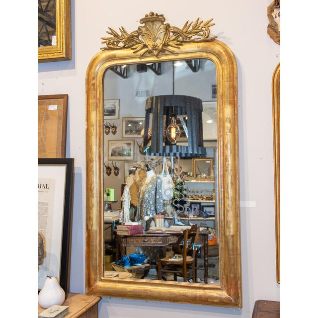 French Antique French Gilt Louis Philippe Mirror With Ornate Cartouche and Floral Frame For Sale - Image 3 of 13
