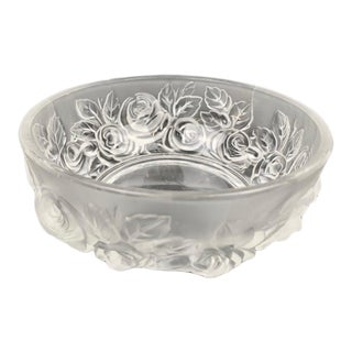 """Vintage Verlys Round Frosted Satin Art Glass Bowl-""""Roses"""" For Sale"""