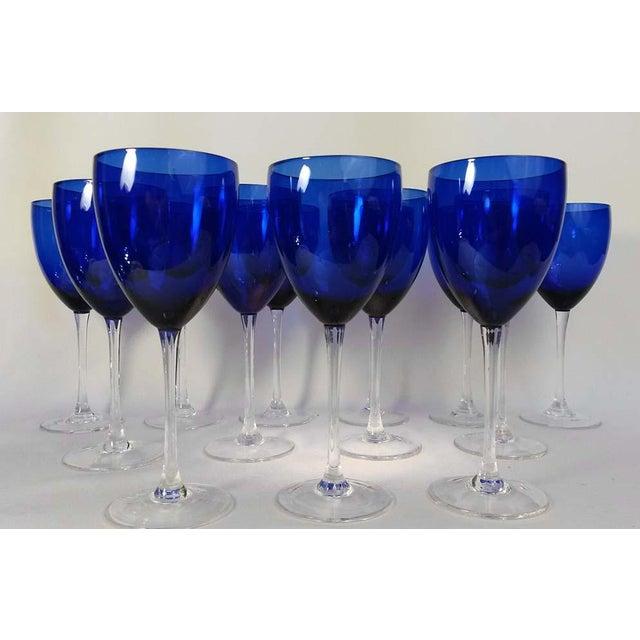 Elegant Set of 13 Cobalt Blue Wine Glasses - Image 4 of 5