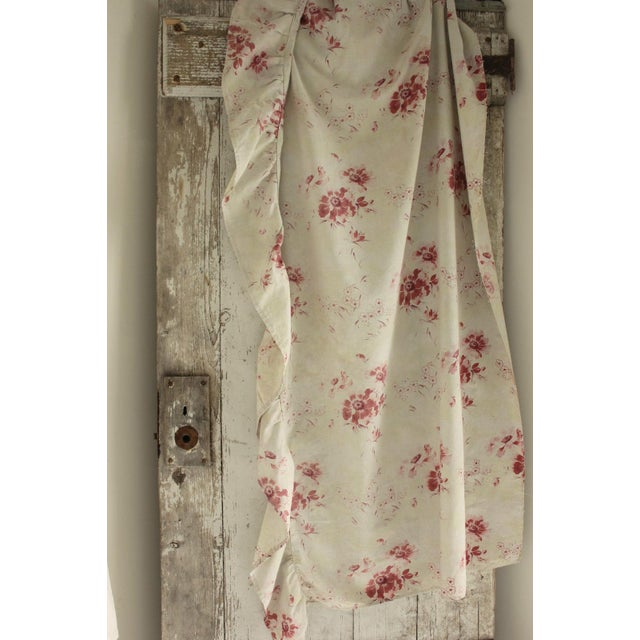 French 1910s Antique French Shabby Chic Faded Floral Textile W/ Ruffle Fabric - 2 Yards For Sale - Image 3 of 3