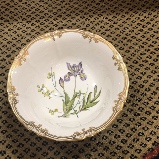 Rare & Desirable Commemorative Spode Footed Bowl With Scalloped Rim And Gilt Accents Surrounding A Central Botanical...