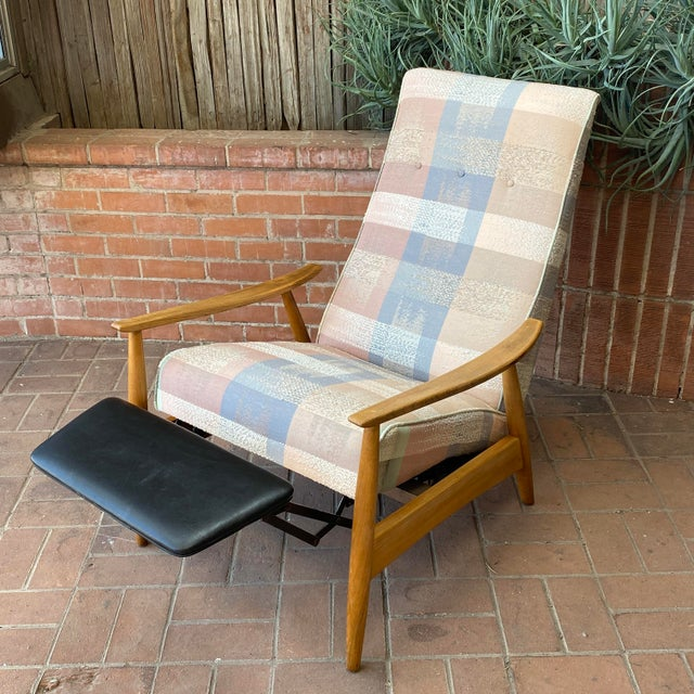 Wood Mid-Century Modern Milo Baughman for James Inc Recliner Lounge Chair For Sale - Image 7 of 12
