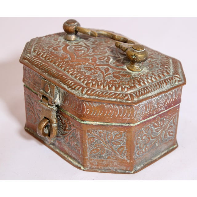 Anglo-Indian Anglo-Indian Handcrafted Tinned Copper Metal Spices Caddy Box For Sale - Image 3 of 13