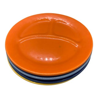 1930s Bauer Pottery's Plain Ware Grill Plates in Orange, Yellow, Blue and Deph Blue - Set of 4 For Sale