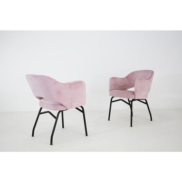 50s Italian chairs restored in velvet. The chairs have been covered in velvet. the structure is in iron also these...