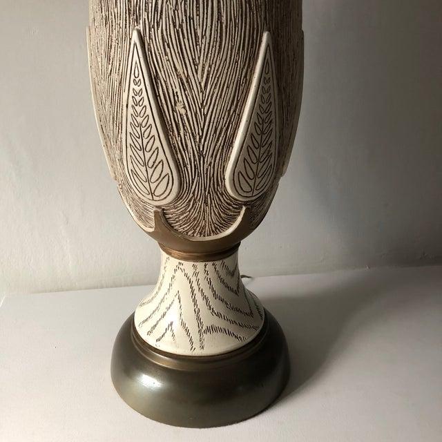 Boho Chic Mid Century Modern Hollywood Regency Monumental Ceramic Table Lamp For Sale - Image 3 of 9