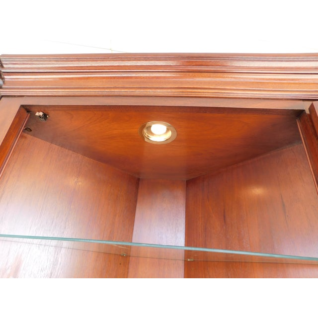 Councill Craftsmen Mahogany Chippendale Style Lighted Corner Cabinet For Sale In Philadelphia - Image 6 of 13