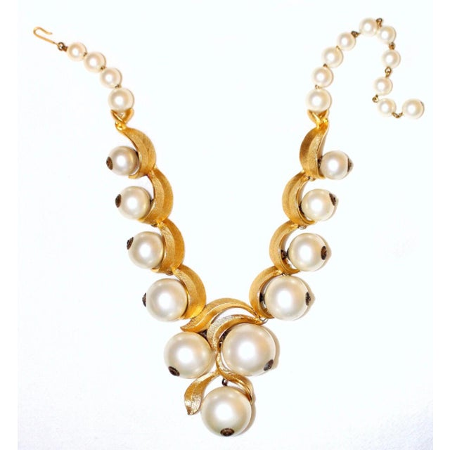 1960 Faux-Pearl Necklace For Sale - Image 4 of 7