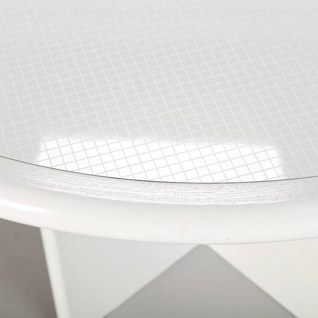 Mid Century White Lacquered Round Table - Image 4 of 8