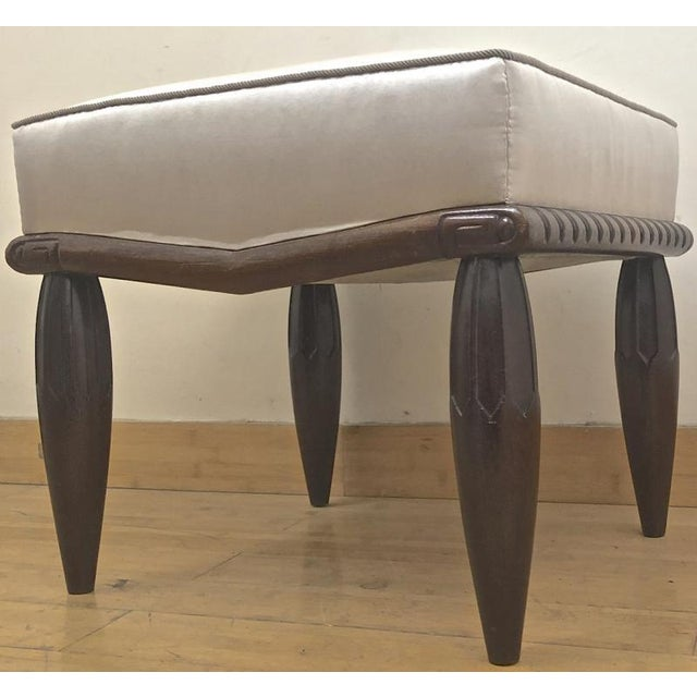 Georges De Bardyere Art Deco Refined Carved Pair of Stools Newly Recovered in Skin Silk For Sale - Image 4 of 7