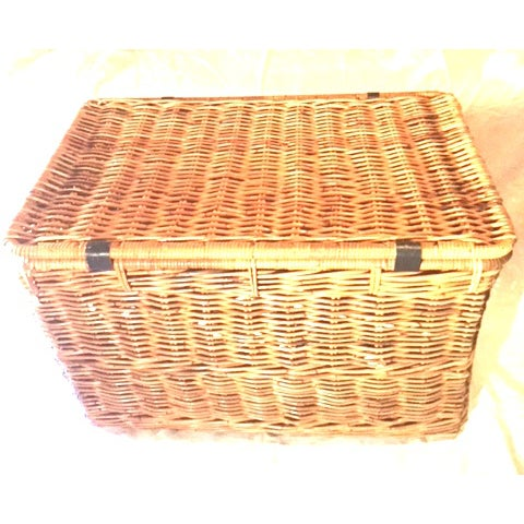 1980s 1980s Americana Wicker Blanket Trunk For Sale - Image 5 of 7
