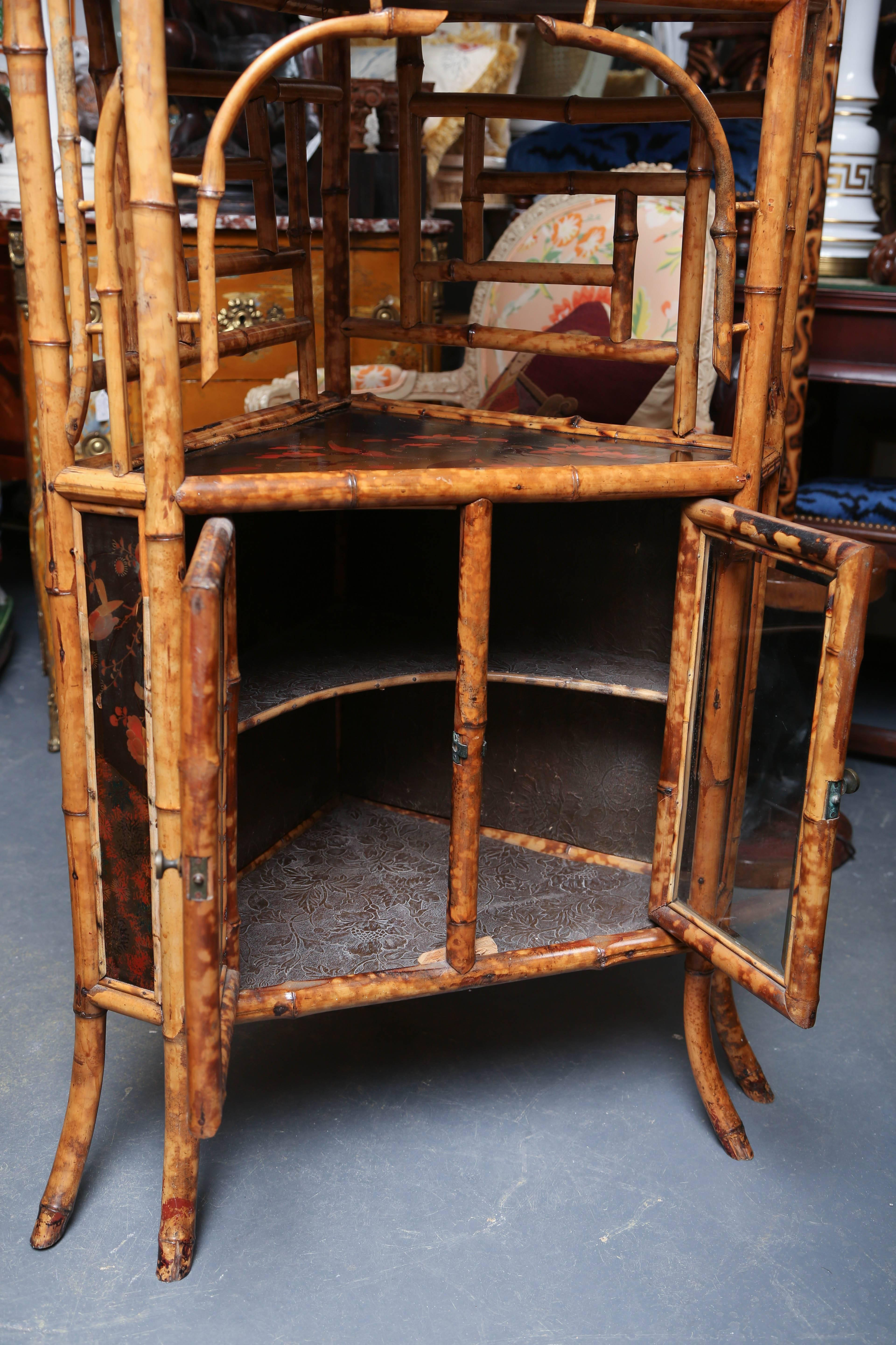 Beau Superb 19th Century English Bamboo Corner Cabinet For Sale In West Palm    Image 6 Of