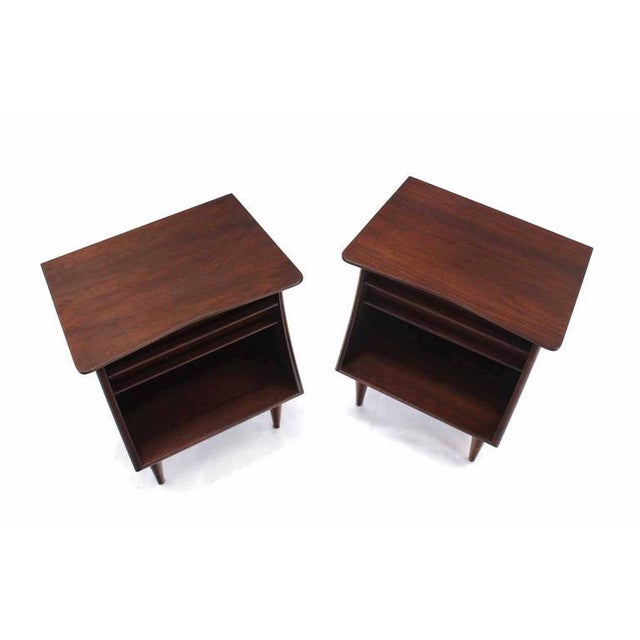 Nice pair of American walnut night stands or end tables.