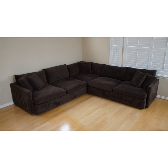 https://chairish-prod.freetls.fastly.net/image/product/sized/ff82bbd9-e2ea-45fb-8dcc-b939997a062e/crate-and-barrel-lounge-ii-three-piece-sectional-9633?aspect=fit&width=640&height=640