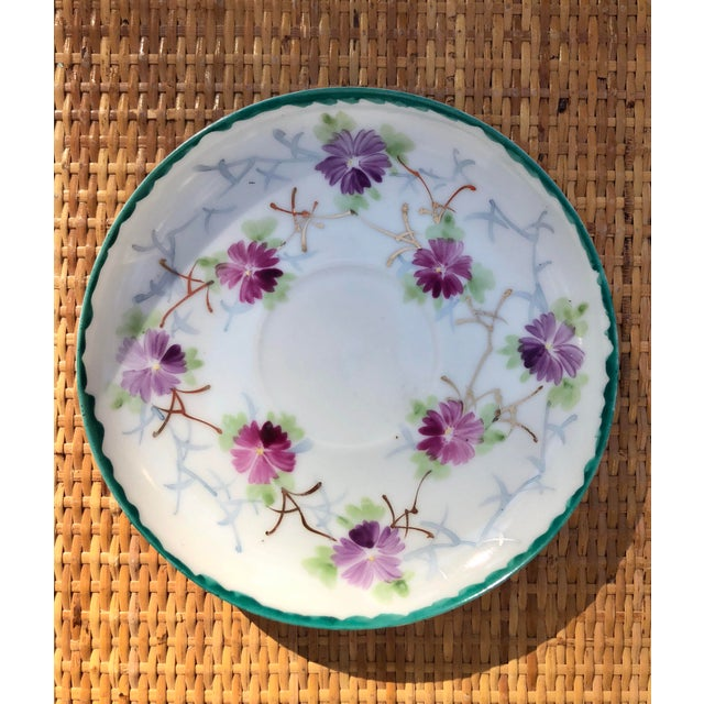 Early 20th Century Early 20th Century Shabby Chic White Porcelain Plate With Pink and Purple Flowers For Sale - Image 5 of 6