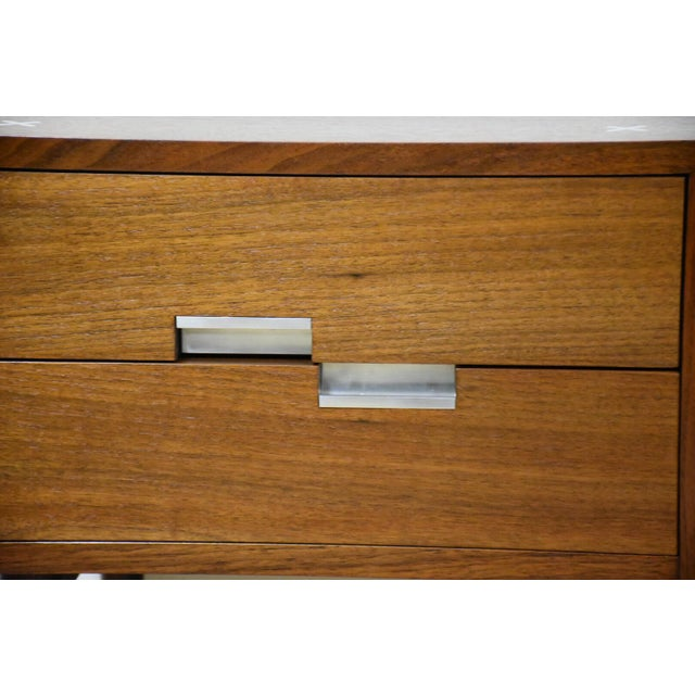 American of Martinsville Walnut Nightstands - A Pair - Image 7 of 9