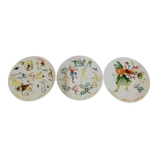 Vintage Italian Large 12 Days of Christmas Hand-Painted Serving Plates- Set of 3 For Sale