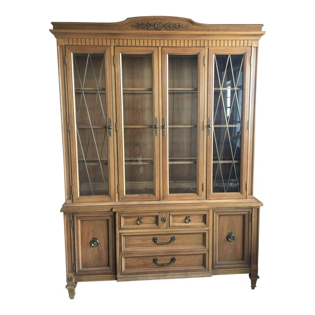 1960s French Provincial Thomasville China Cabinet For Sale