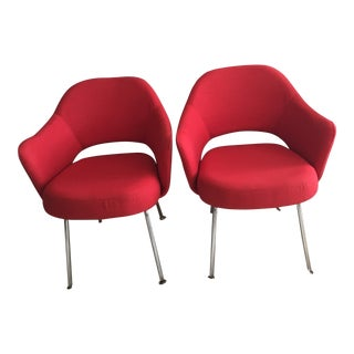 1956 Pair of Eero Saarinen Knoll Executive Arm Chairs Newly Upholstered For Sale