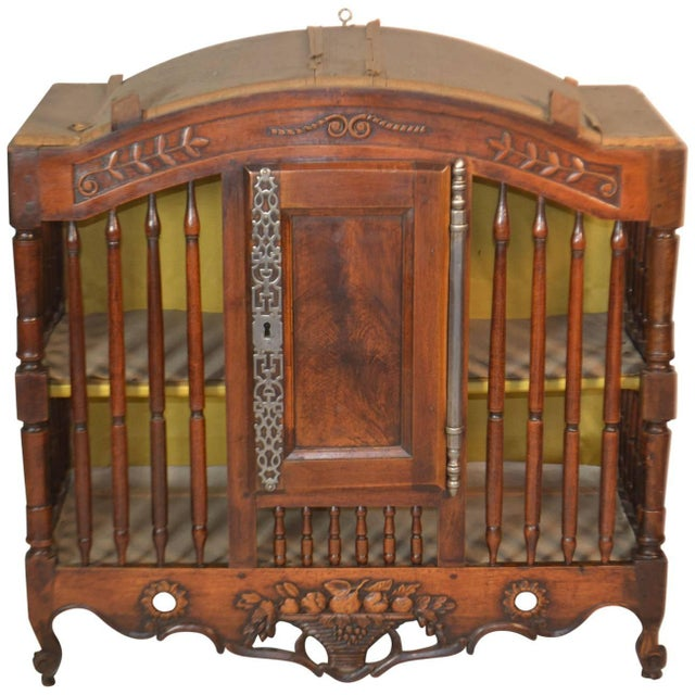 18th Century Walnut Panetiere From Provence For Sale In San Diego - Image 6 of 6