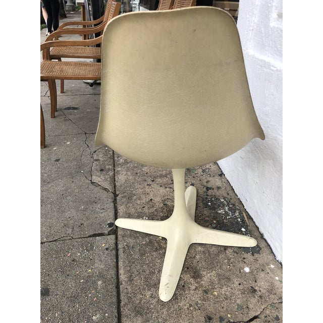 1960s Vintage Eames Herman Miller Style Swivel Chair For Sale - Image 4 of 8