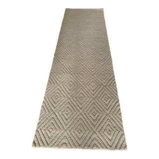 Ballard Designs Hooked Diamond Pattern Rug- 2′6″ × 8′ For Sale