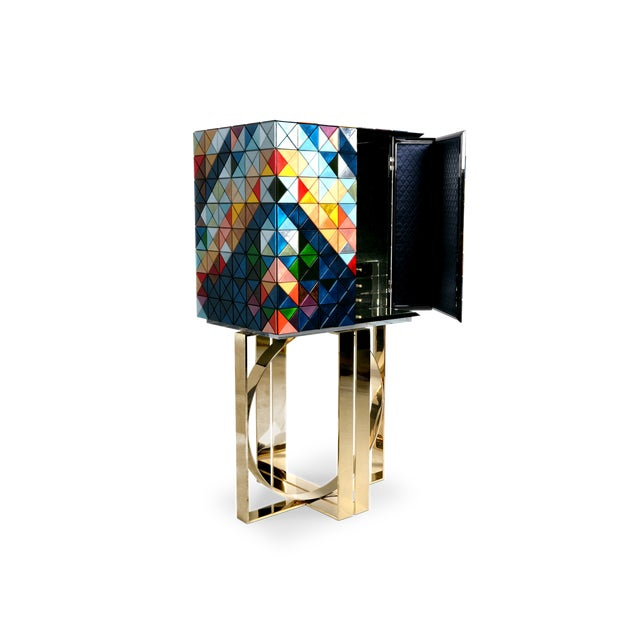 Pixel is an effort to honor the union between design and craftsmanship. The 1088 triangles that complete this piece carry...