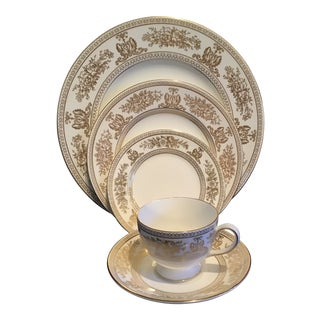 Wedgwood Bone China Pattern Gold Columbia 5-Piece Place Setting for 12 - 60 Pc. Set For Sale
