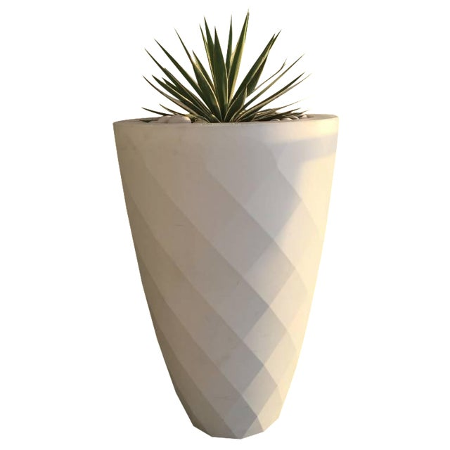 Vondom White Faceted Planter - Image 1 of 3