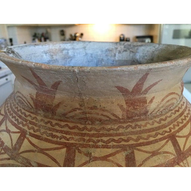 Off-white Thai Ancient Ban Chiang Painted Pottery Vessel, circa 300 BC For Sale - Image 8 of 10