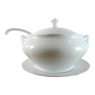 Cottage White Porcelain Soup Tureen Set - 3 Pieces For Sale
