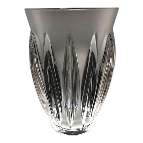 "Art Deco Lalique ""Courchevel"" Frosted and Clear Glass Vase For Sale - Image 3 of 7"