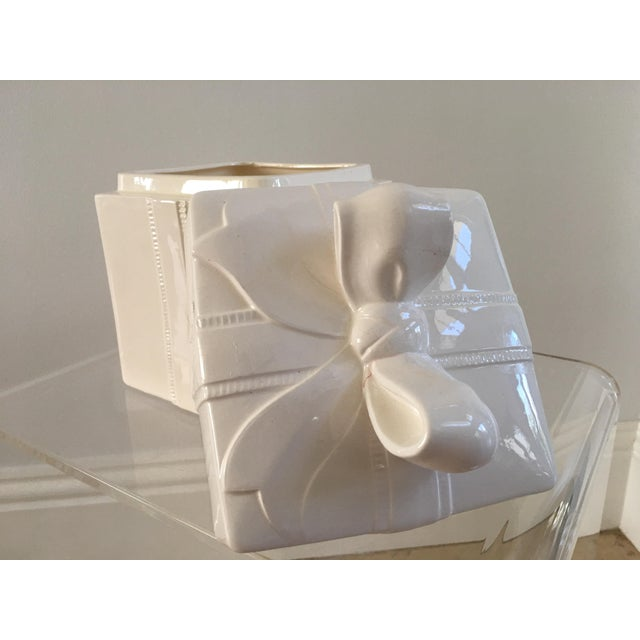 Darling Cookie Box. A white ceramic box with a ribbon. Perfect for the holiday and a timeless decoration.