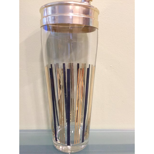 Add a hint of Hollywood to your bar. Sleek cocktail shaker
