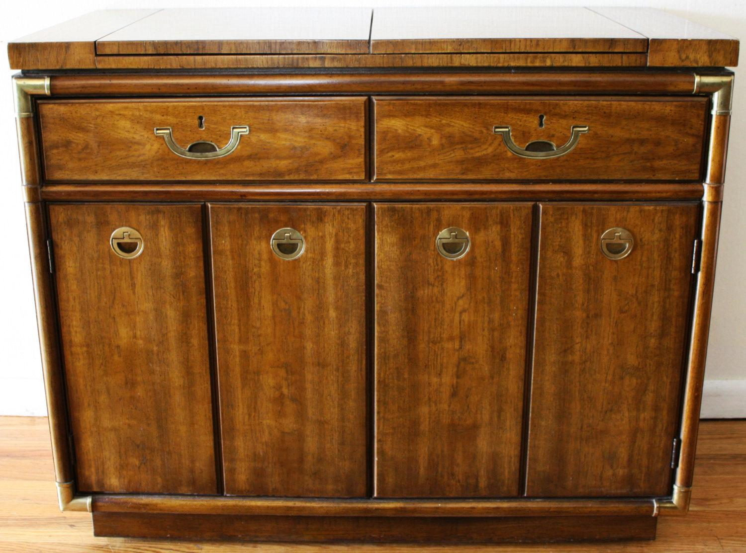Drexel Heritage Bar Cabinet Or Buffet Server On Rollers   Image 2 Of 9
